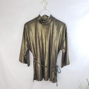 ♦️2/$20 Shiny Gold and Black Top Medium 8/10